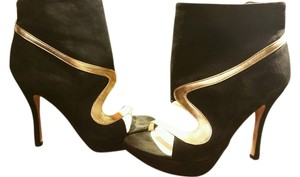 Dezario Stilleto Boot Black and Gold Pumps