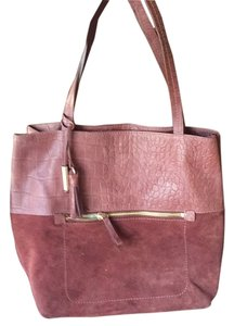 Joie Tote in Burgundy