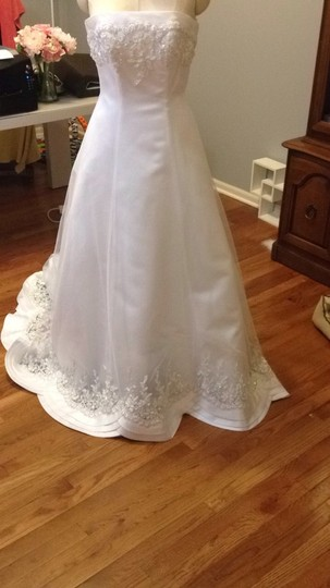 David's Bridal Tulle Ballgown Wedding Dress