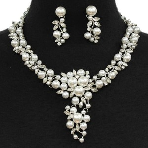Pearl Bridal Collar