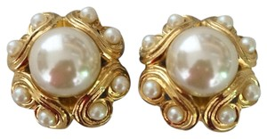 Vintage Goldtone Faux Pearl Clip On Runway Earrings