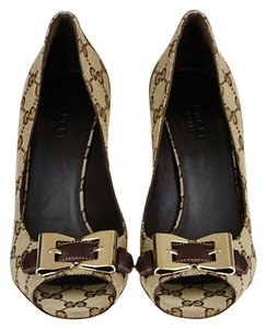 Gucci Beige-Ebony Pumps