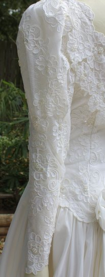 Bianchi Gorgeous Bianchi Elegant Long Sleeve Sweetheart Neckline Wedding Gown Wedding Dress