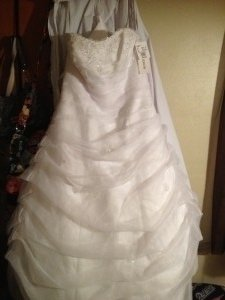 David's Bridal White Organza Draped L9479 Feminine Wedding Dress Size 14 (L)