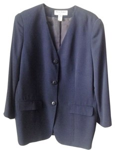 Rena Rowan Rena Rowan for Saville Two Piece Skirt Suit. Navy Blue. Plus Size 16/18W. 100% Polyester.