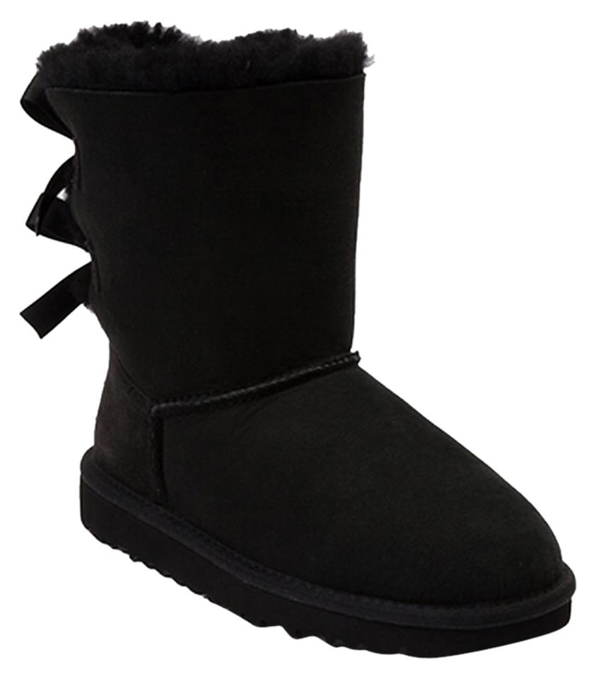 fbe02356bcf UGG Australia Black Bailey Uggs Bailey Bow Short Boots/Booties Size US 7