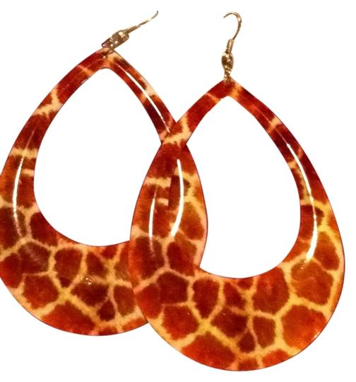 Preload https://item4.tradesy.com/images/giraffe-print-large-earrings-fashion-132068-0-0.jpg?width=440&height=440