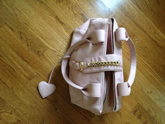 Preload https://item1.tradesy.com/images/juicy-couture-collection-pink-leather-satchel-132095-0-0.jpg?width=440&height=440