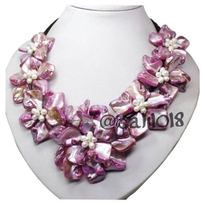 FLASH SALE THIS WEEKEND ONLY New White & Hot Pink Authentic Mother of Pearl Shell Flower Independent Designer Necklace Choker Bib
