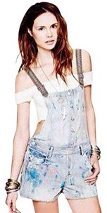Free People Overalls Paint Splatter Plain Jean Jeans Xs 0 25 Extra Small Summer Cool Rare Muddy Waters Overall Shorts