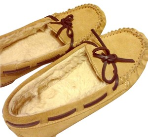 Mossimo Supply Co. Moccasins Slippers Fur Target Suede tan Flats