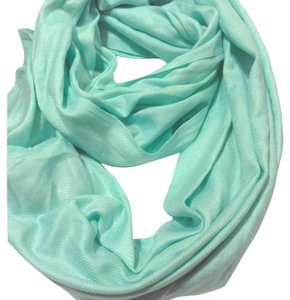 Charlotte Russe Mint/ Teal Infinity Scarf
