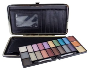ME Pocketbook Eyes Eyeshadow Makeover Essentials