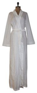 PATRICIA FIELDWALKER PATRICIA FIELDWALKER EMBROIDERED EYELET FULL LENGTH WRAP ROBE