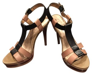 BCBG Paris Platform Tan /Black Platforms