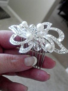 Silver Tone with Ivory Pearls and Crystals Rhinestone Comb Hair Accessory