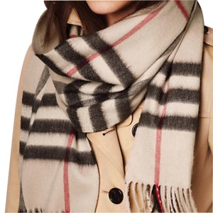 Burberry BURBERRY CASHMERE OVERSIZED CHECK SCARF