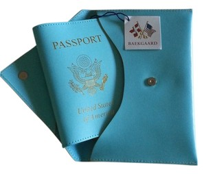 Baekgaard NWT Baekgaard Tiffany-Blue Leather Passport Case and Wallet