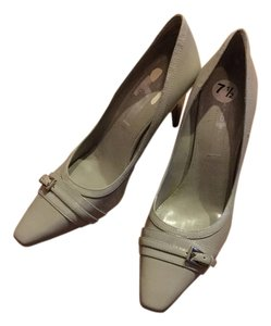 Bandolino Gray Pumps