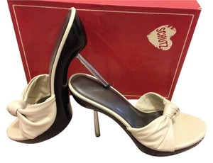 Schutz Cream, Off White Pumps