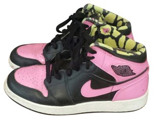 Nike black and pink Athletic