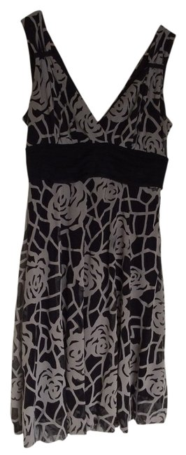 Preload https://img-static.tradesy.com/item/13230808/r-and-m-richards-black-and-beige-knee-length-workoffice-dress-size-petite-6-s-0-1-650-650.jpg