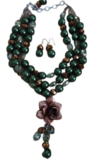 Preload https://item5.tradesy.com/images/hunter-green-copper-chunky-pierced-earrings-set-necklace-1323194-0-0.jpg?width=440&height=440