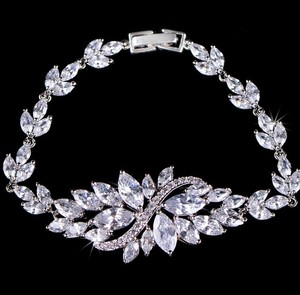 Cubic Zirconia Sparkly White Crystal Cz Bridesmaid Gift Round Cubic Bracelet