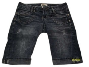 Mudd Capri/Cropped Denim-Medium Wash