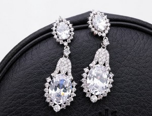 Crystal Rhinestone Earrings Swarovski Bridal Earrings Chandelier Earrings