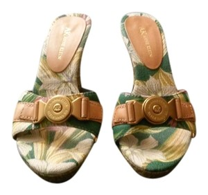 Anne Klein Sandal Resort Gold Hardware Camel, Green Wedges