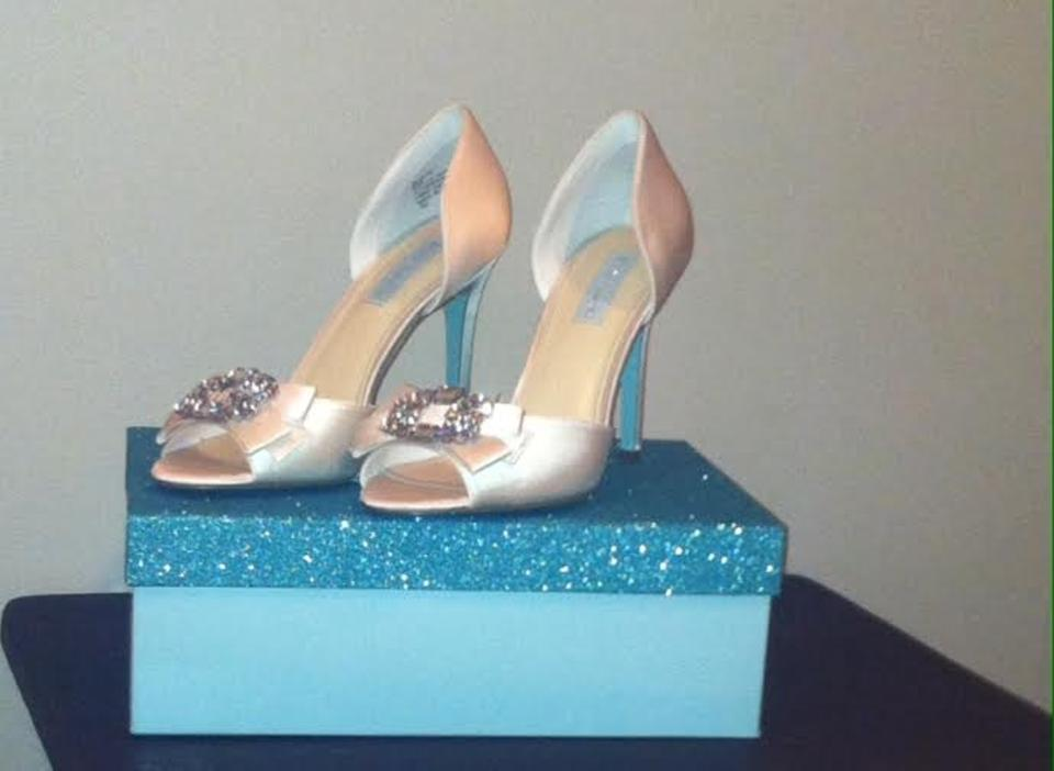 Pumps Formal Bridal Ivory Betsey Johnson Heels qPzqS