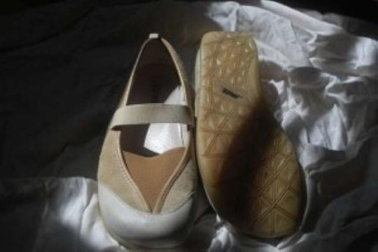 Earth Beige/ Cream Flats
