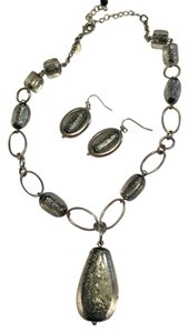 Lia Sophia Gray/silver glass stone necklace and earrings