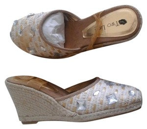 Two Lips Gold/Straw Wedges