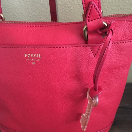 Fossil Tote in Red