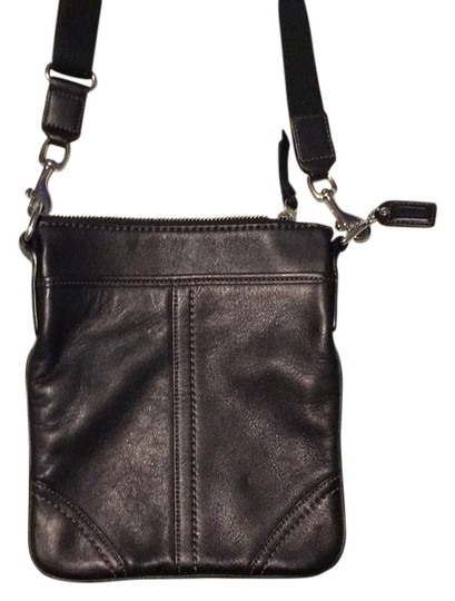 Preload https://item5.tradesy.com/images/coach-leather-cross-body-bag-13258534-0-1.jpg?width=440&height=440