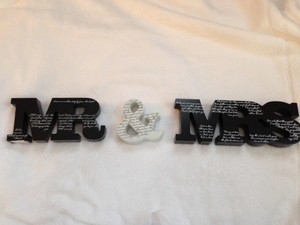 Dicksons Black & White Mr. Mrs. Tabletop Signs Reception Decoration