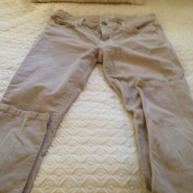 Item - Light Beige Wash Cigarette Leg- Low Rise. The Perfect Fitting Pant Skinny Jeans Size 28 (4, S)