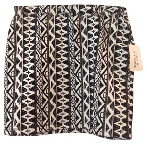 Forever 21 Mini Aztec Brand New With Tags And Mini Skirt Black & White