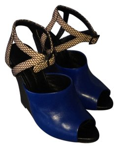 Philliplim Black and blue Wedges