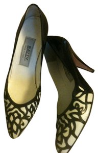 Bally Vintage Patent Leather black,white Pumps