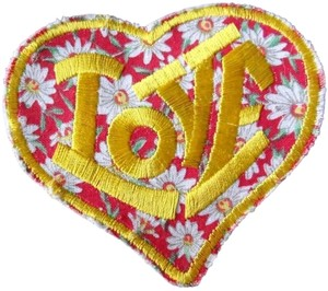 Claire's Love Heart Daisies Iron-on Patch