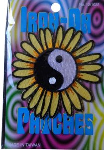 Claire's Yin Yang Daisy Iron-on Patch