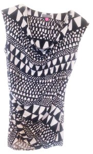 Vince Camuto Top Black and White
