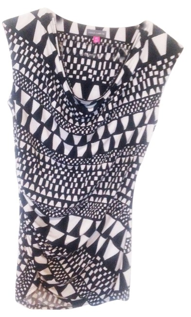 Preload https://item3.tradesy.com/images/vince-camuto-black-and-white-blouse-size-4-s-13279717-0-1.jpg?width=400&height=650