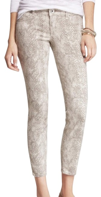 Item - Taupe/ Cream Light Wash Stella Snake Print Ankle Capri/Cropped Jeans Size 26 (2, XS)