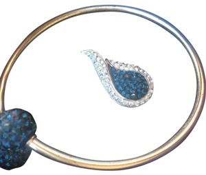 Swarovski Elements SWAROVSKI ELEMENTS BLUE CRYSTAL BRACELET/PENDANT SET