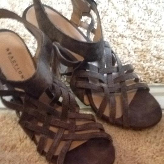 Preload https://img-static.tradesy.com/item/1328815/kenneth-cole-reaction-olive-green-strappy-caged-sandals-size-us-6-regular-m-b-0-0-540-540.jpg