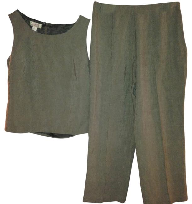 Preload https://item3.tradesy.com/images/tommy-bahama-tommy-bahama-pants-suit-1329222-0-0.jpg?width=400&height=650
